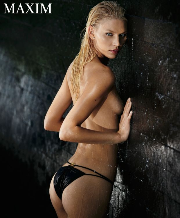 Aline-Weber-Topless-Sexy-5