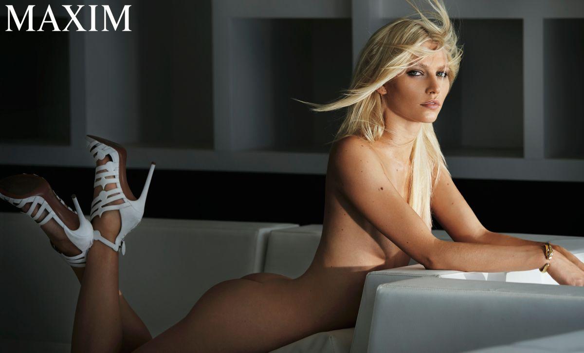 Aline-Weber-Topless-Sexy-8