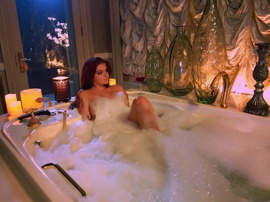 Ariel-Winter-Nude