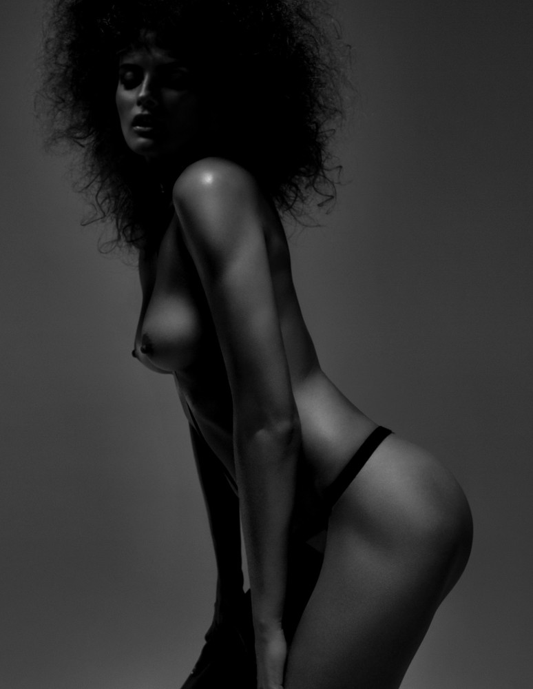 Elena-Melnik-Sexy-Topless-2