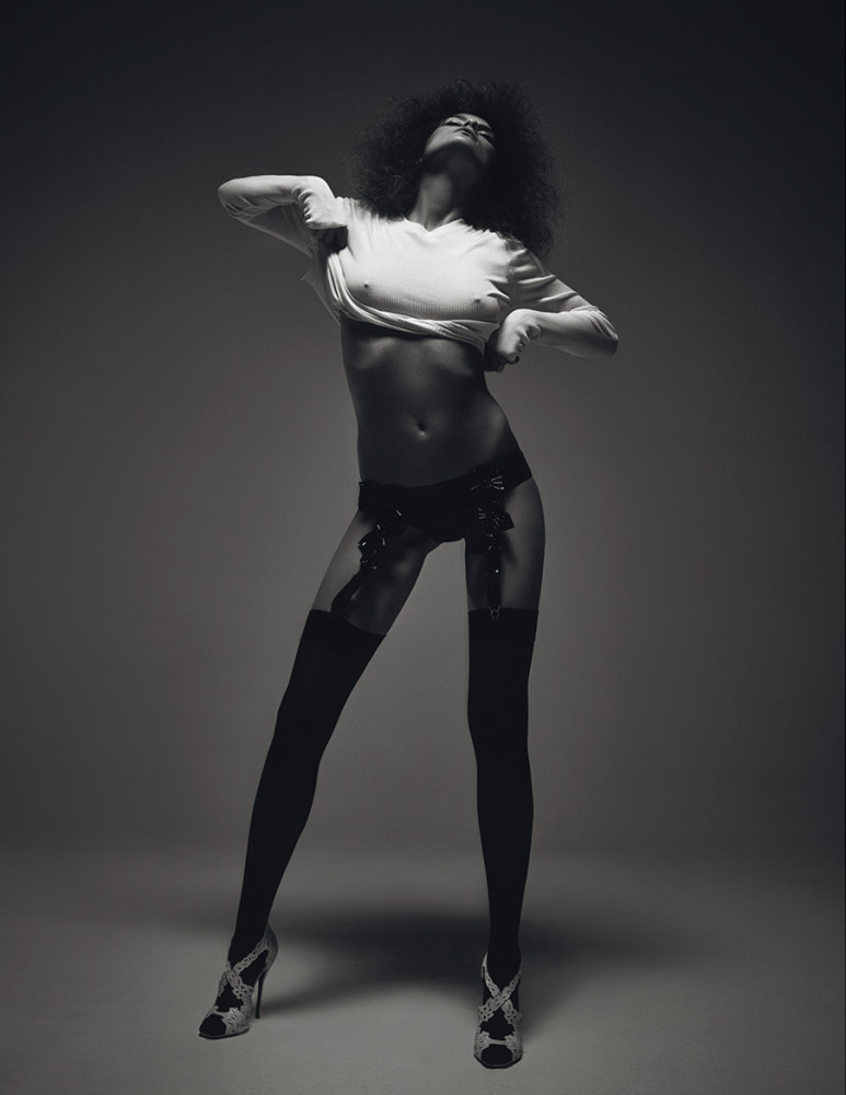Elena-Melnik-Sexy-Topless-3