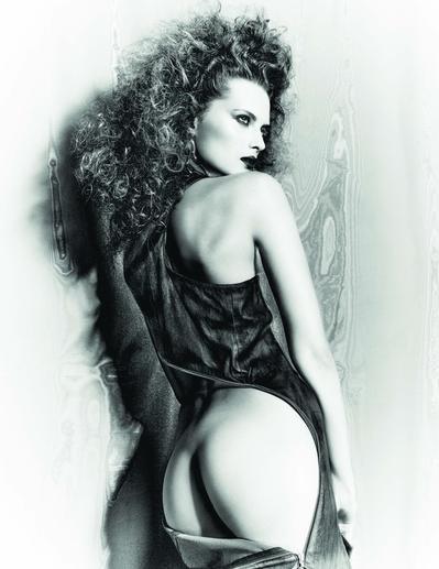 Elena-Melnik-Sexy-Topless-5