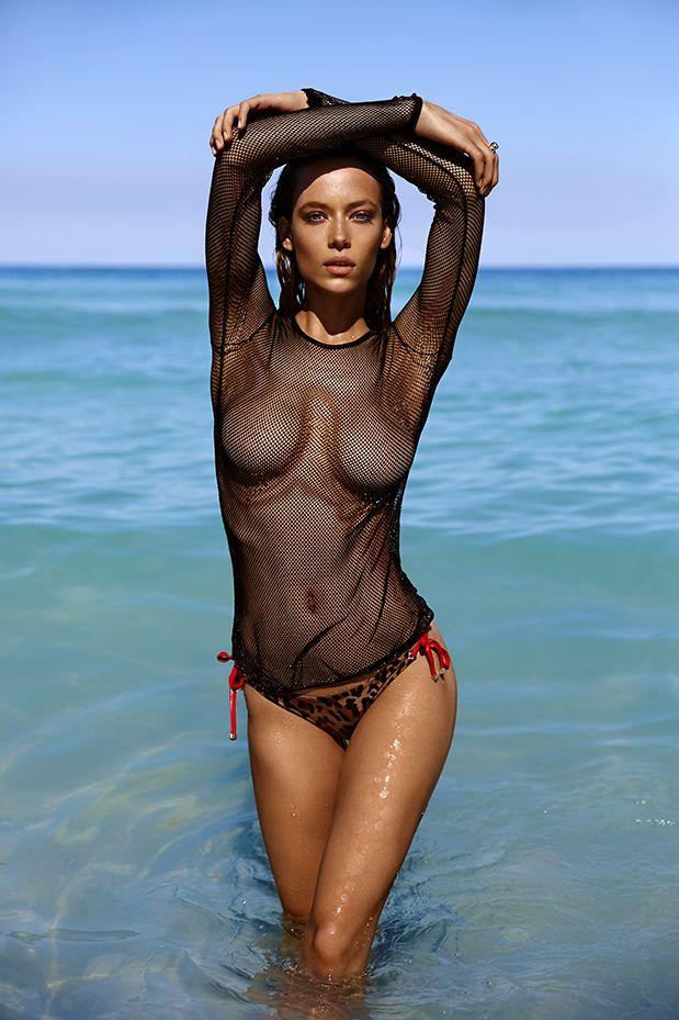 Hannah-Ferguson-Sexy-Topless-10