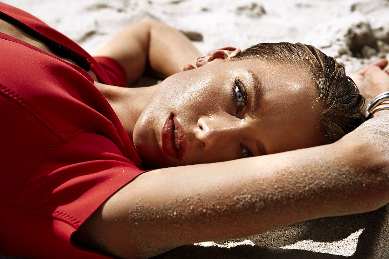 Hannah-Ferguson-Sexy-Topless-5