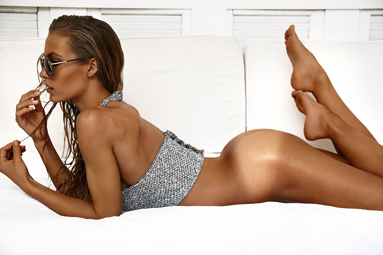 Hannah-Ferguson-Sexy-Topless-7