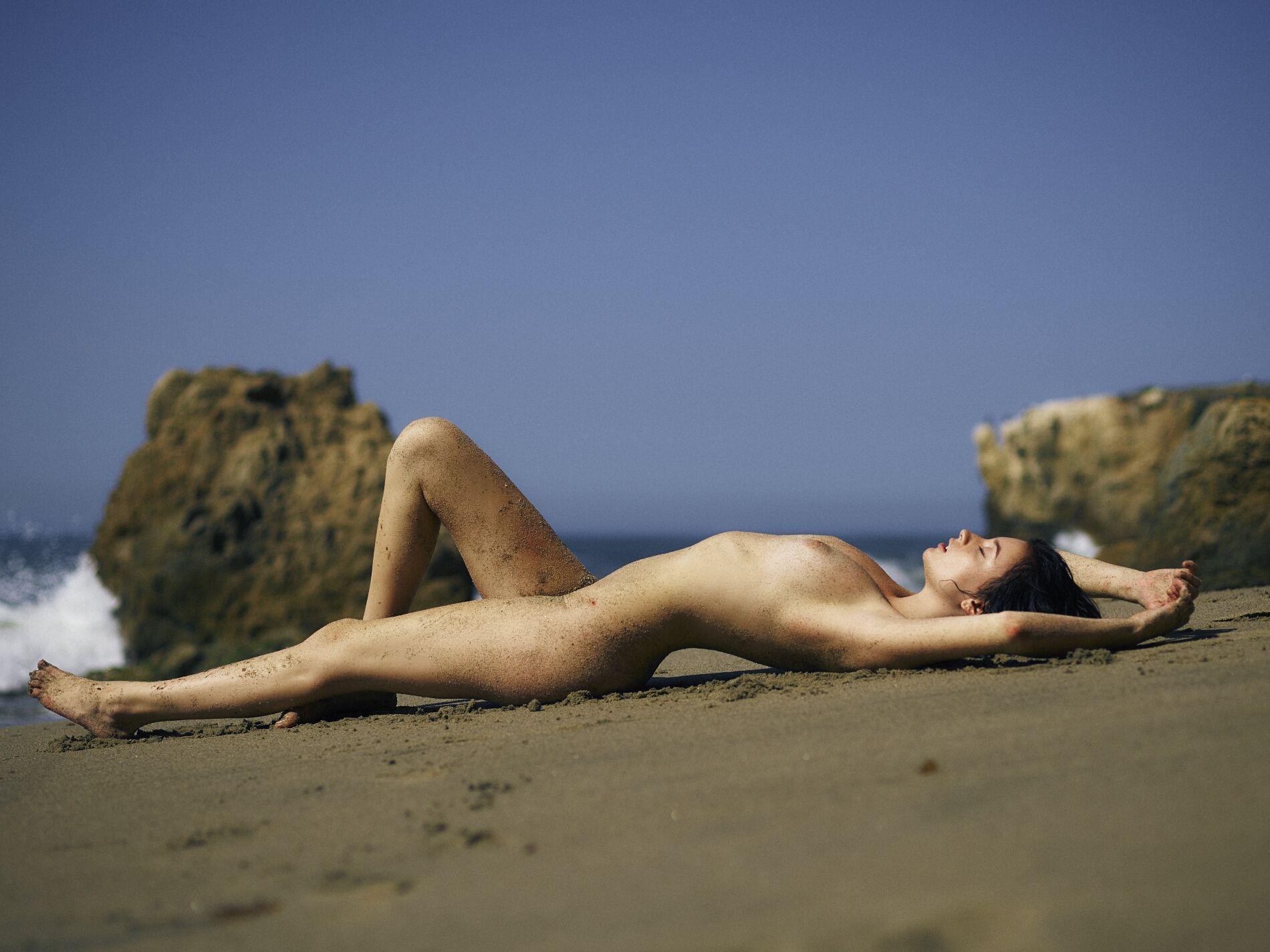 Hannah-Masi-Nude-Sexy-6