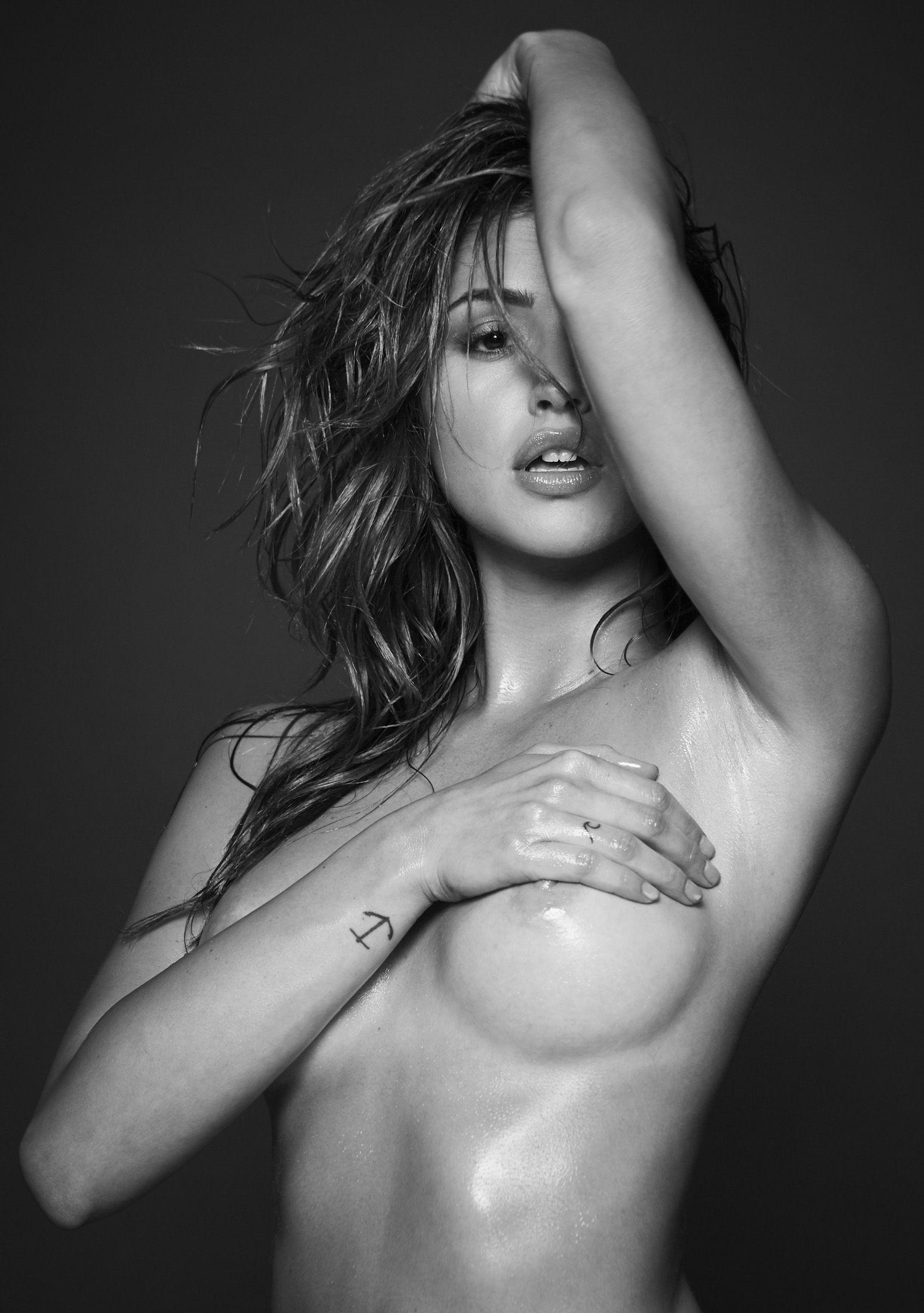 Jehane-Paris-Topless-1