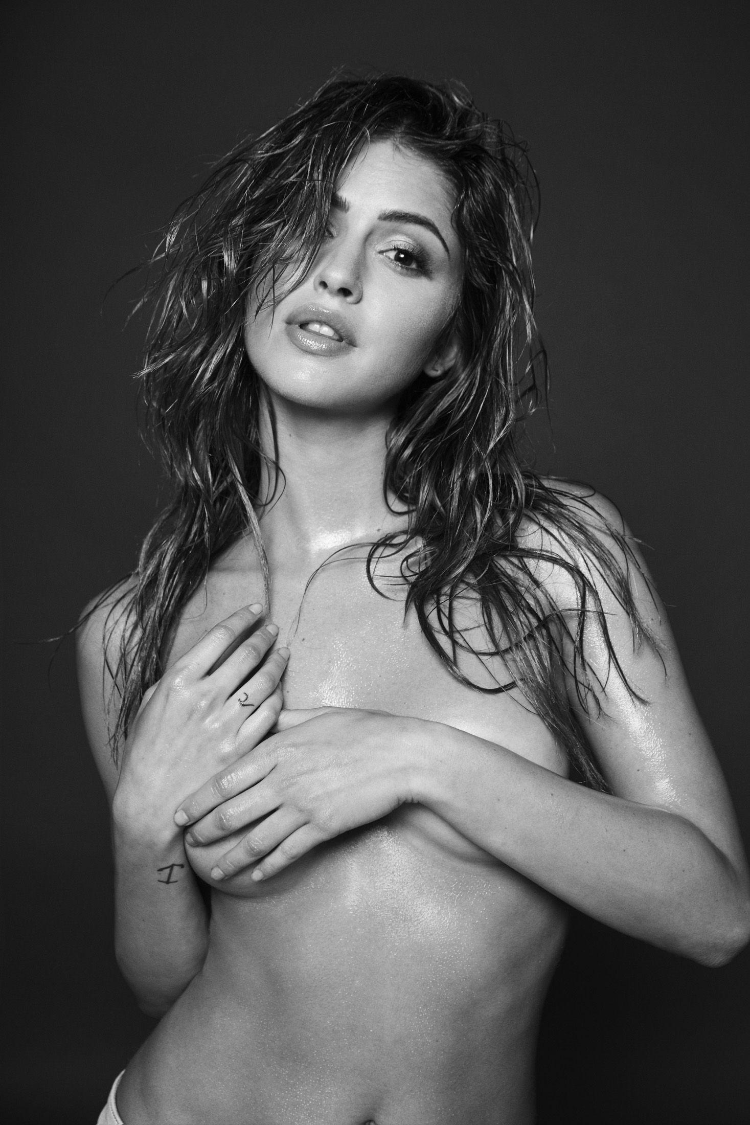 Jehane-Paris-Topless-3