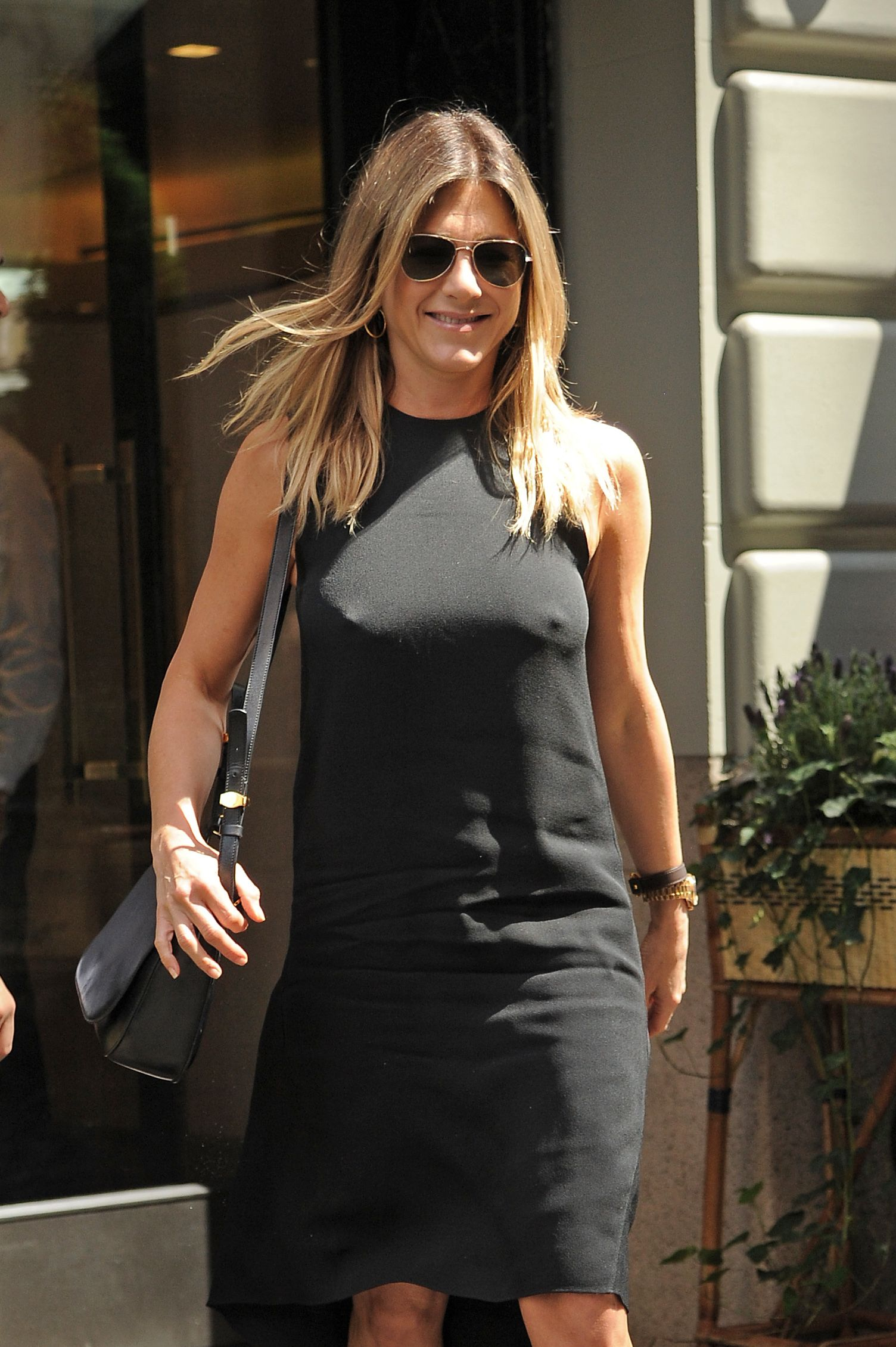 Jennifer-Aniston-Pokies-1 (1)