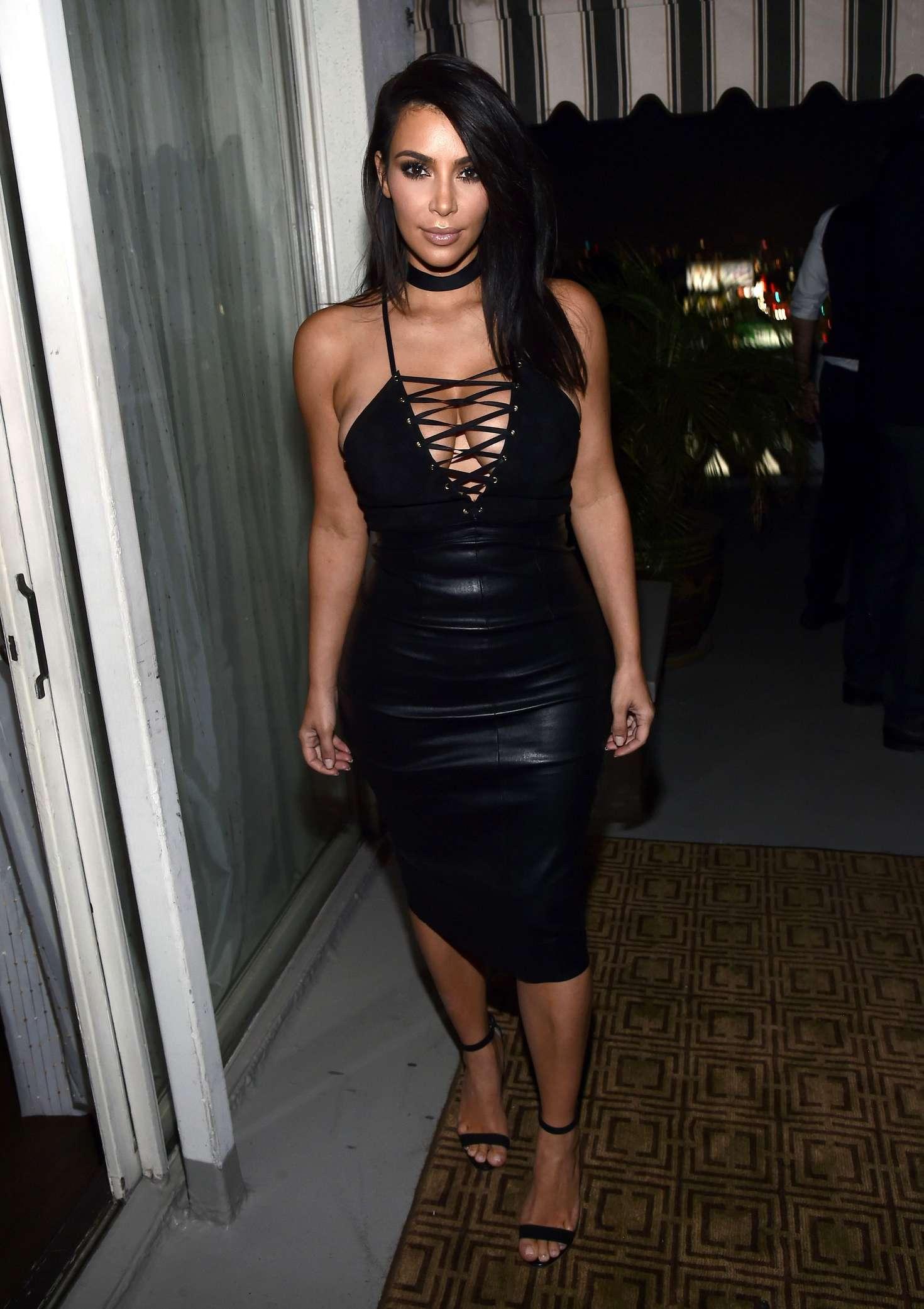 Kim-Kardashian-Sexy-5 (1)