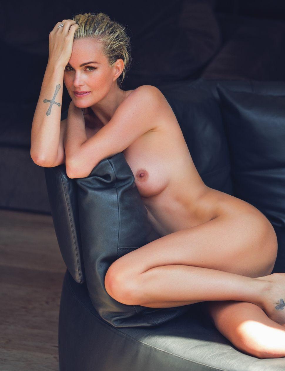 Laeticia-Hallyday-Nude-Sexy-2