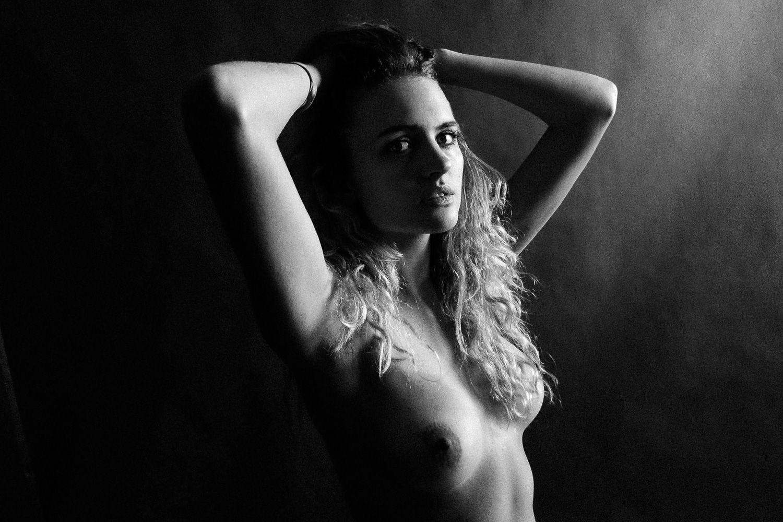 Madison-Riley-Nude-Sexy-5