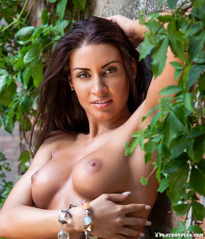 Mariana-Pinter-in-Playboy-Hungary-010_full