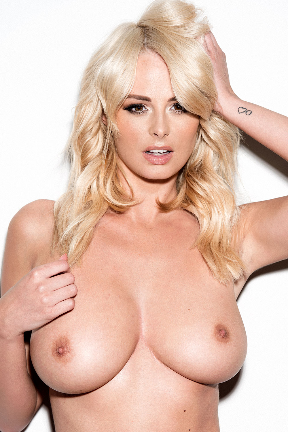 Rhian-Sugden-Sexy-and-Topless-3
