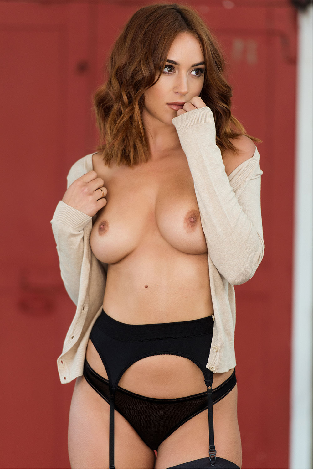 Rosie-Jones-Sexy-Topless-1