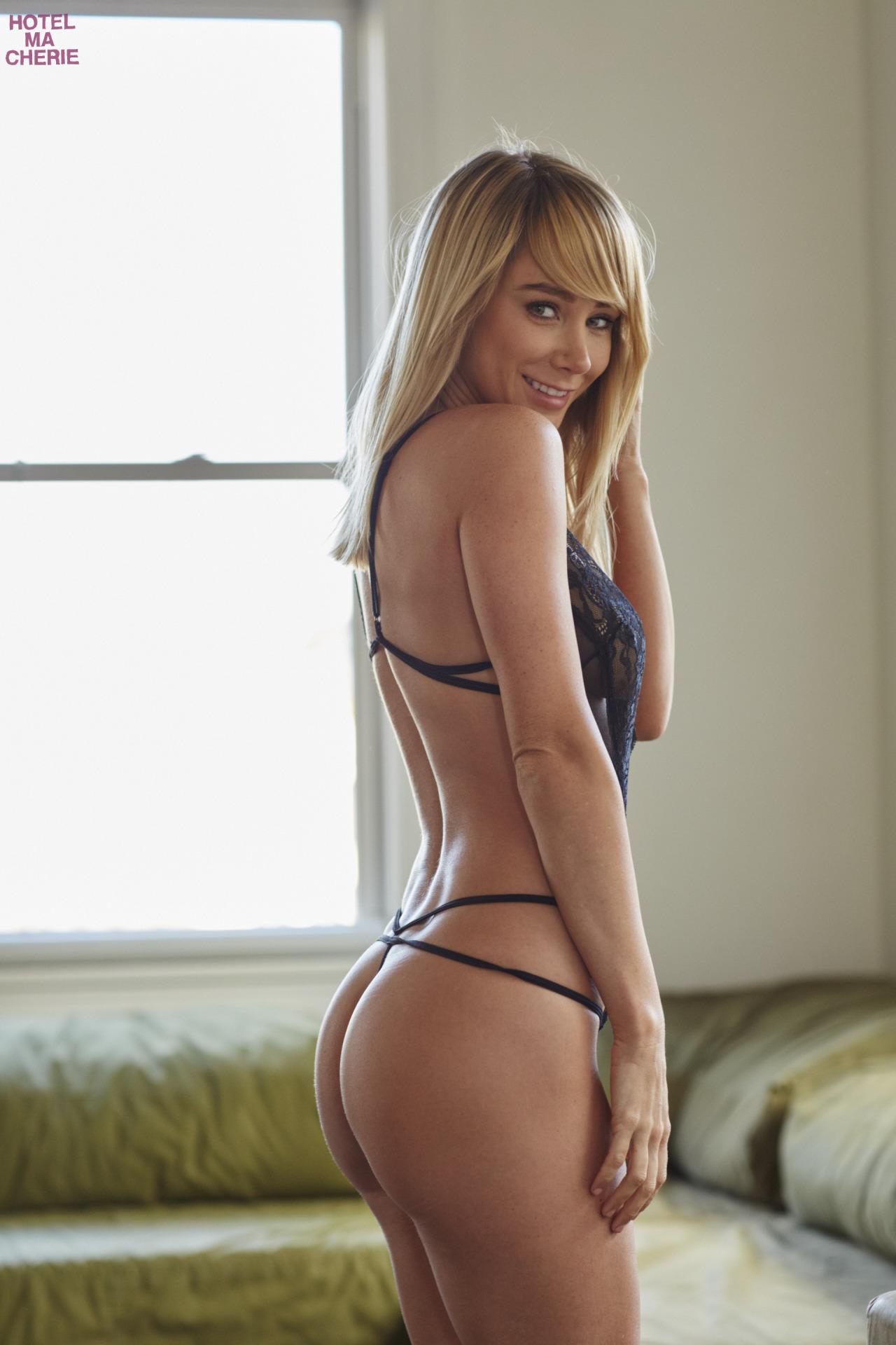 Nude Pics Of Sara Underwood 26