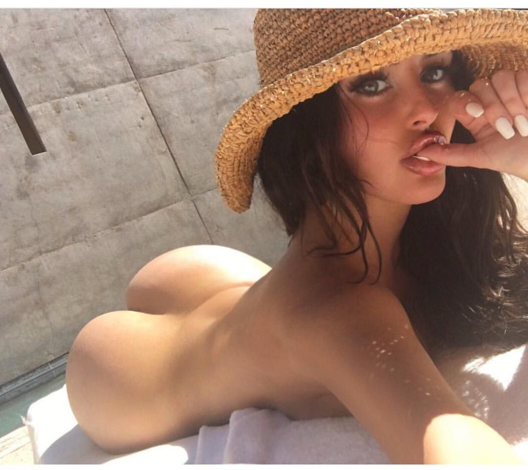 Abigail-Ratchford-Naked_thefappening_one
