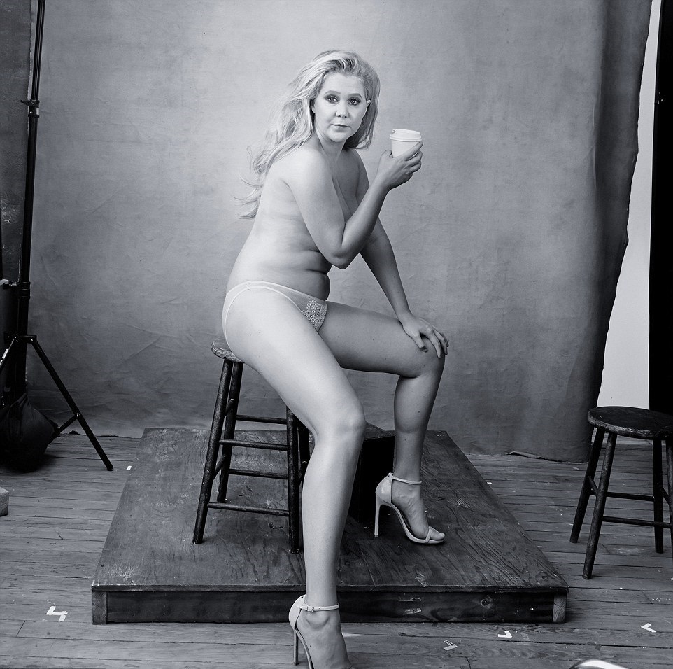 Amy-Schumer-Topless_thefappening_one (1)