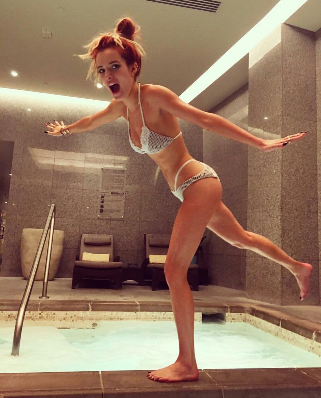 nude bella thorne