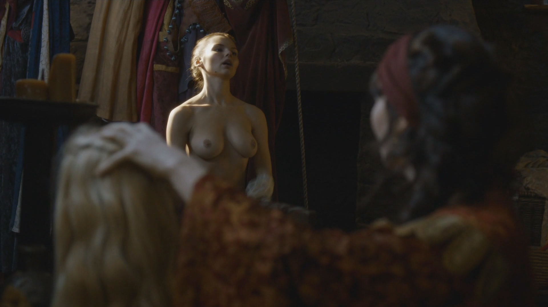 Eline-Powell-Nude_thefappening_one (4)
