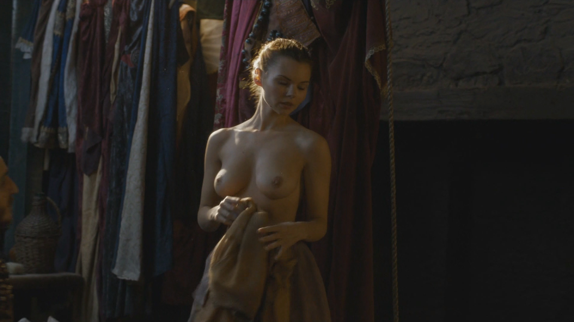 Eline-Powell-Nude_thefappening_one (5)