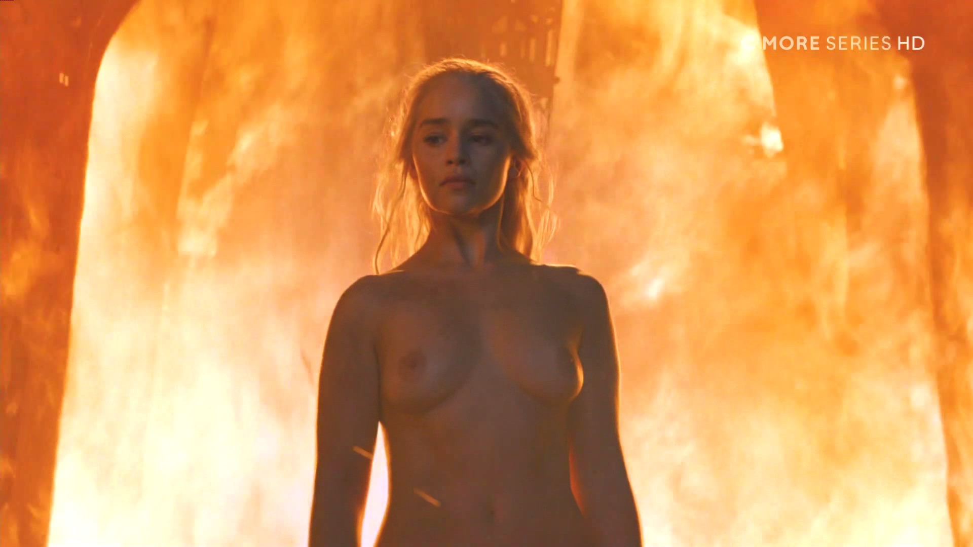 Emilia-Clarke-Nude_thefappening_one (3)