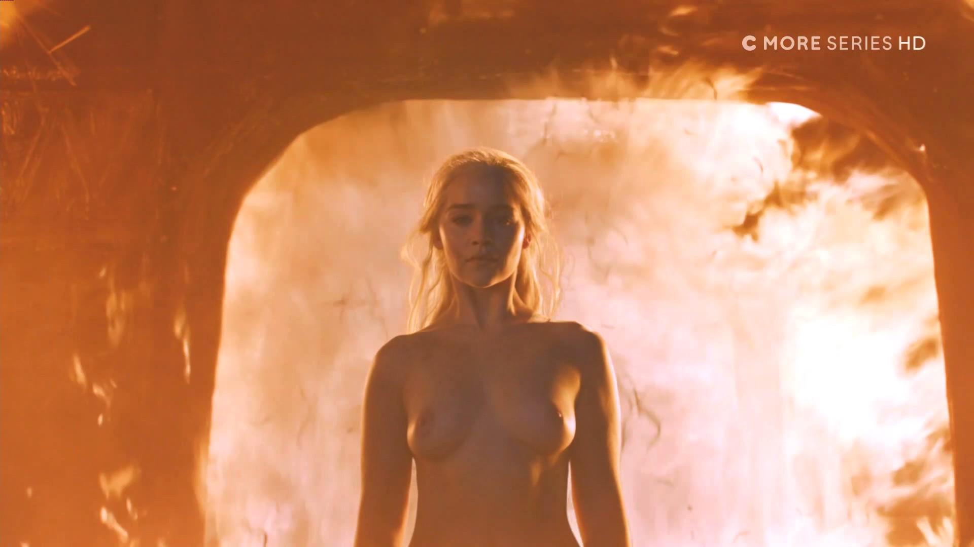 Emilia-Clarke-Nude_thefappening_one (4)