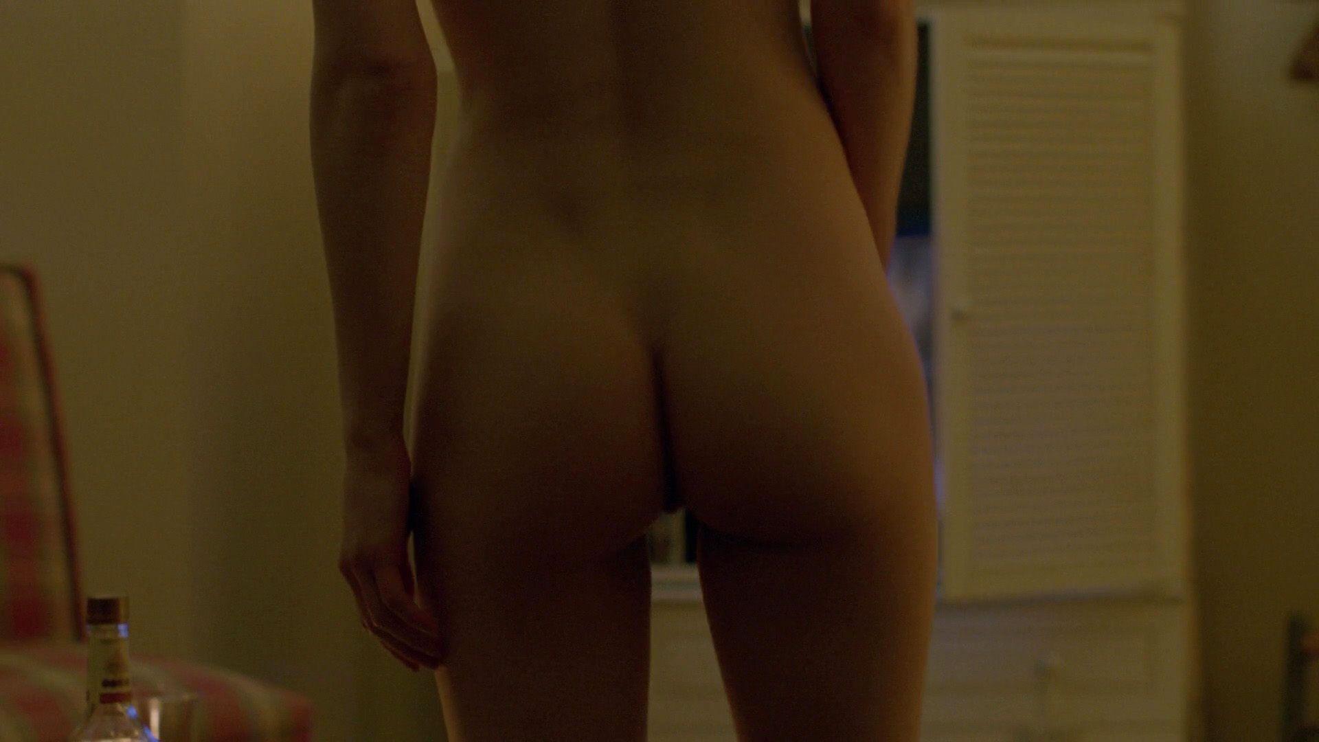 Alexandra-Daddario-Nude_thefappening_one (2)
