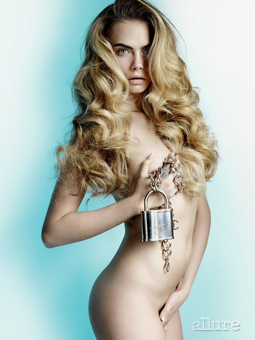 Cara-Delevingne-Nude_thefappening_one (5)