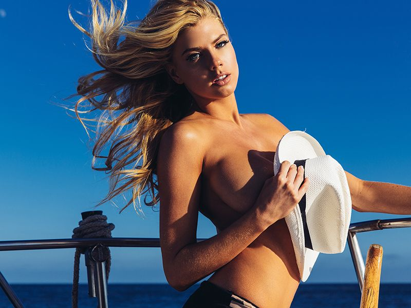 Charlotte-McKinney-Nude_thefappening_one (5)
