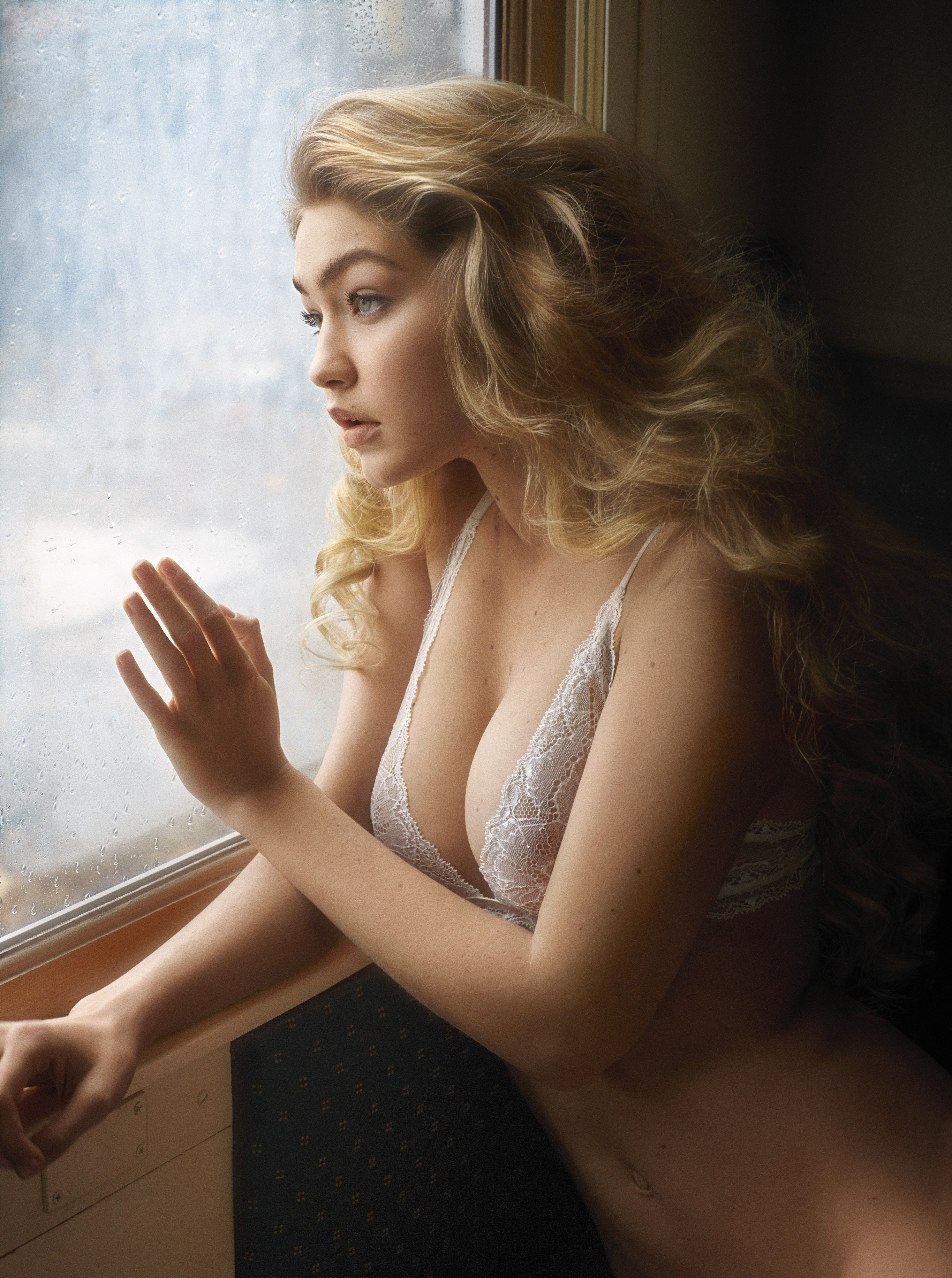 Gigi-Hadid-Nude_thefappening_one (4)