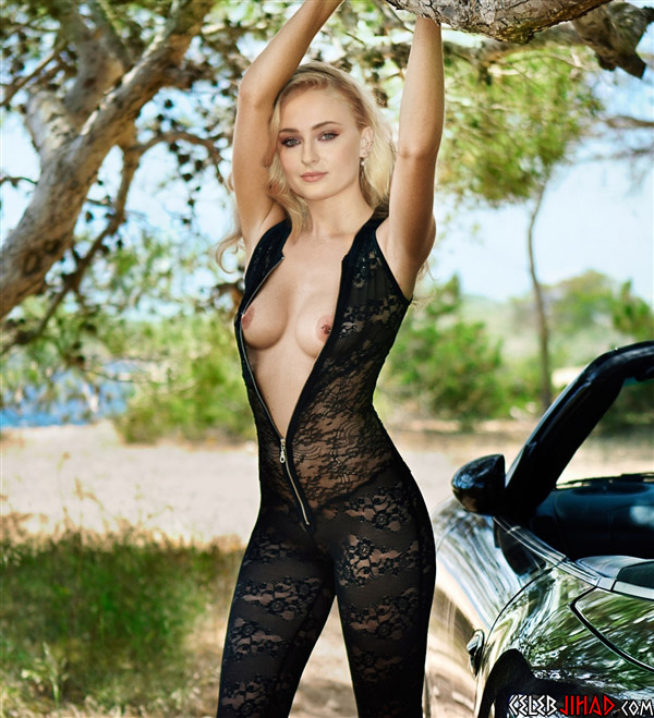 sophie turner naked
