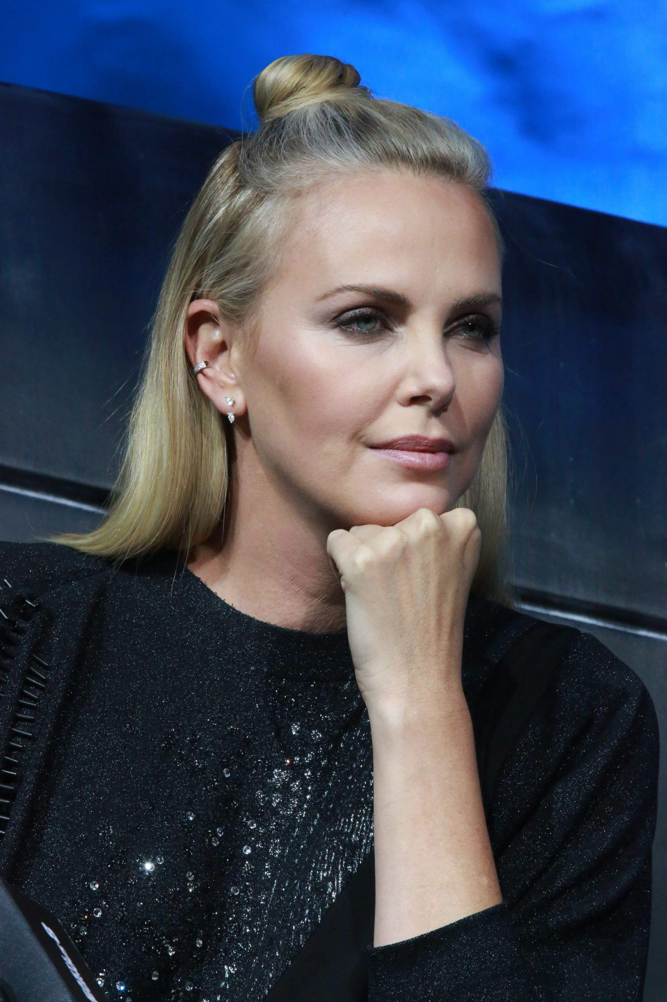 charlize theron - photo #28