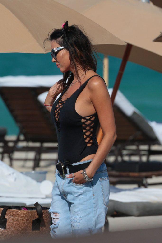 Karina Jelinek Loves Flashing Her Tits - #TheFappening