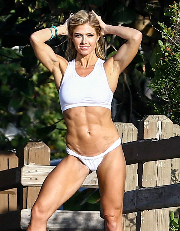 torrie wilson bikini