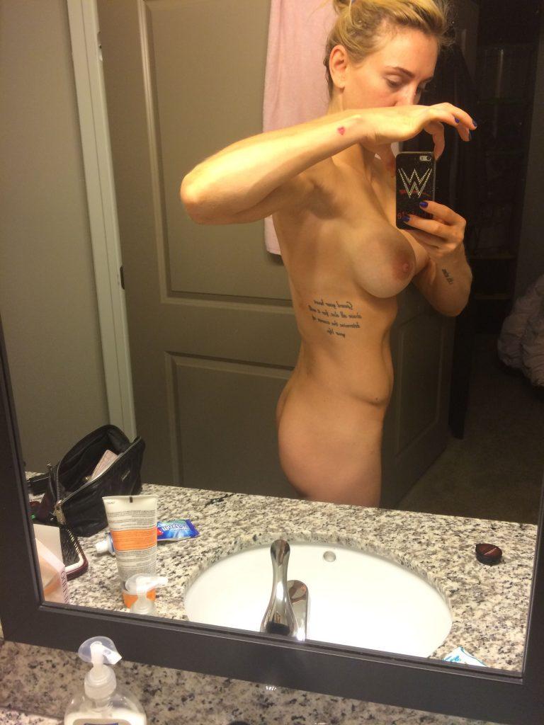 Charlotte nude amatuer model