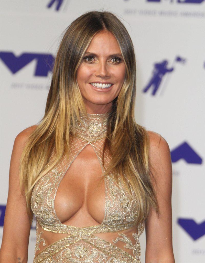 Karina white nude