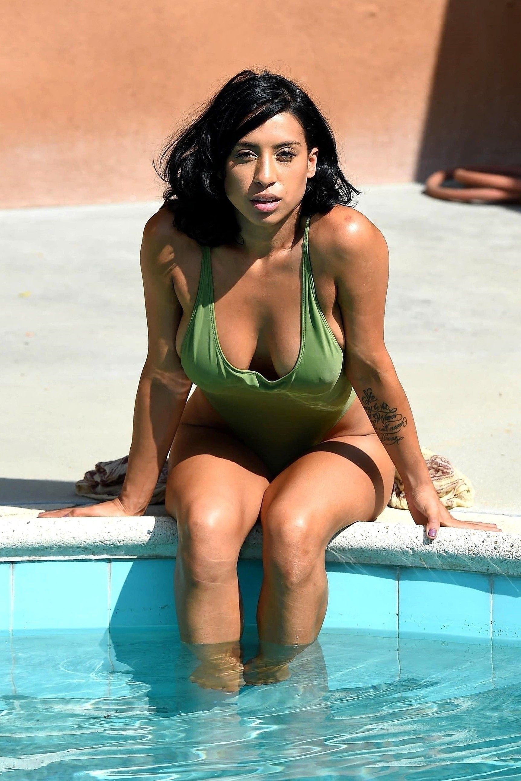 Erotica Montia Sabbag nudes (78 photos), Ass, Cleavage, Feet, in bikini 2015