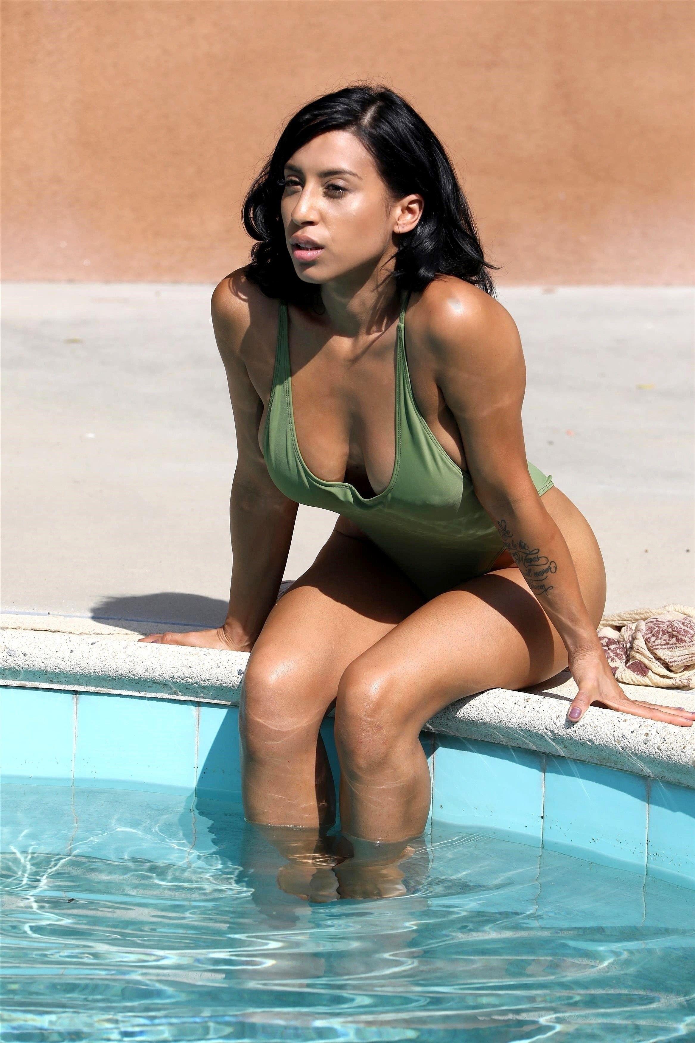 Erotica Montia Sabbag nudes (26 photo), Pussy, Bikini, Selfie, in bikini 2020