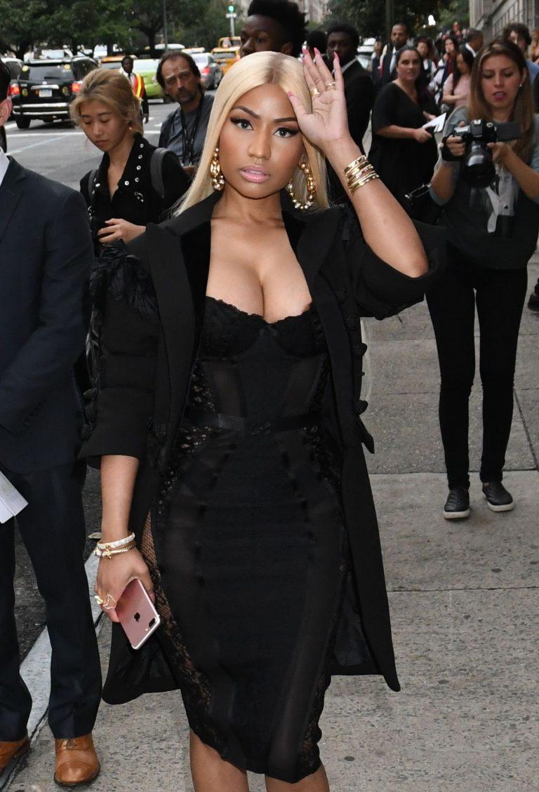 Nicki Minaj Nip Slip - #TheFappening
