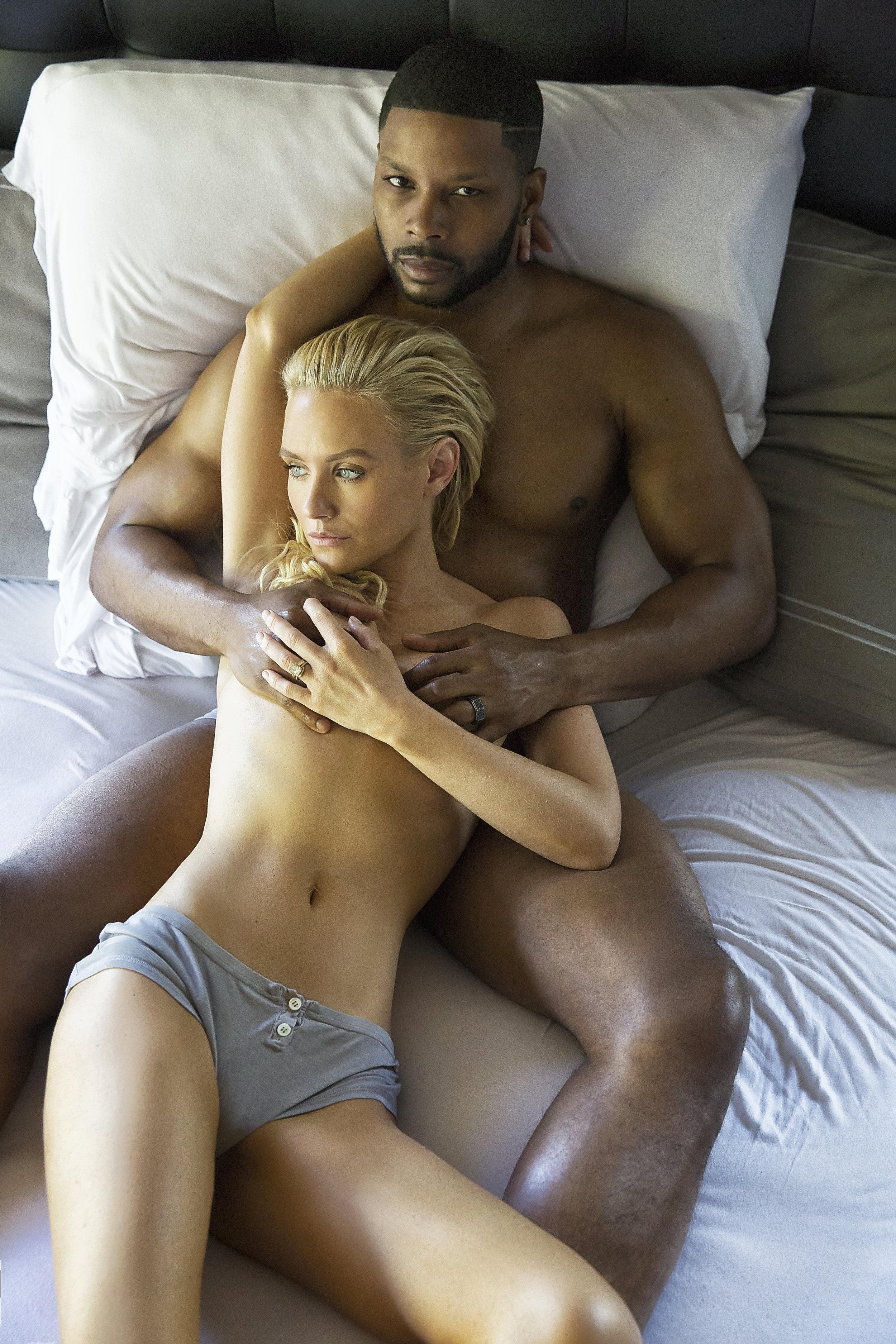Nicky Whelan Nude Hot Photo Nude