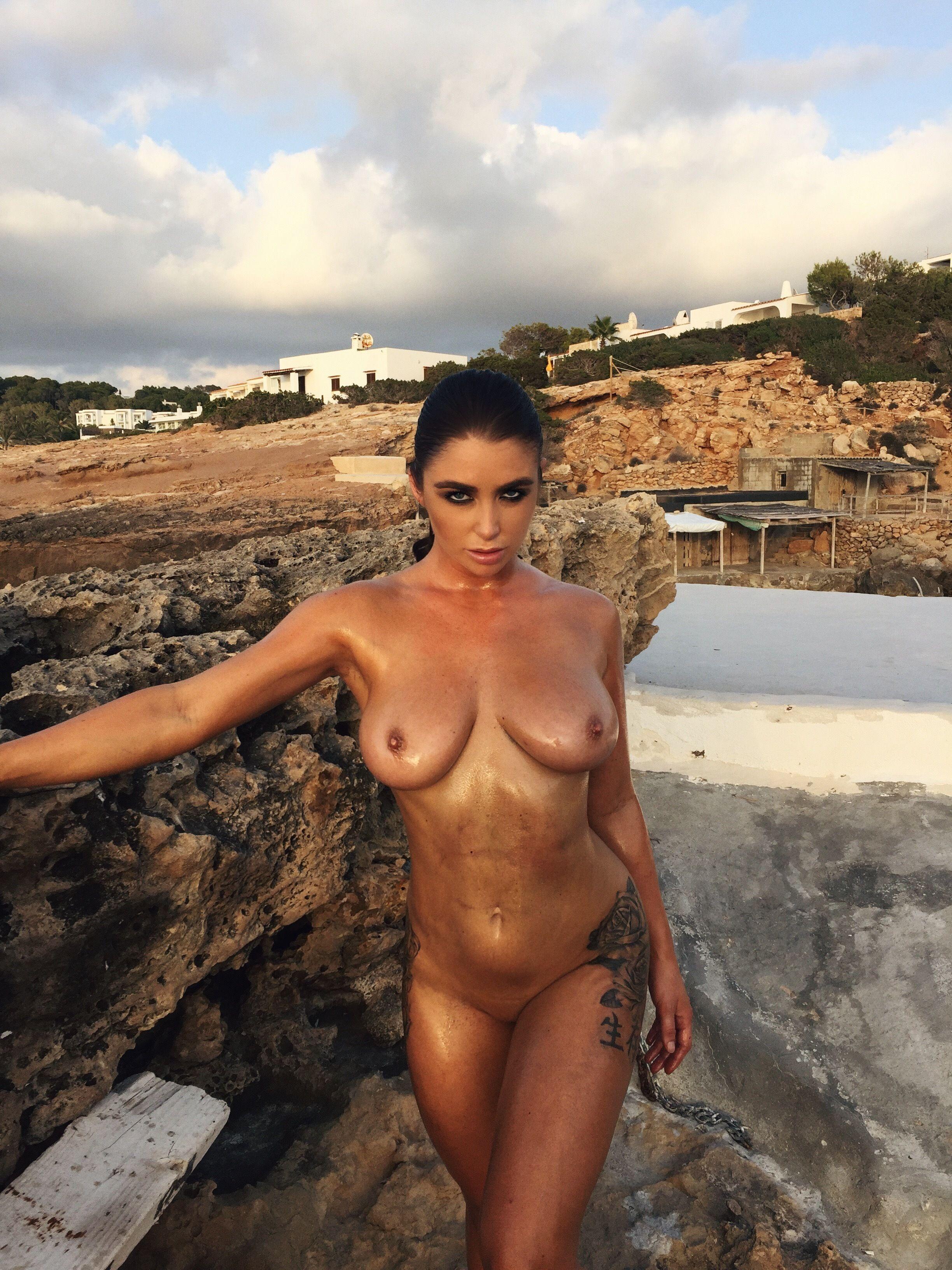 Scarlet bouvier naked