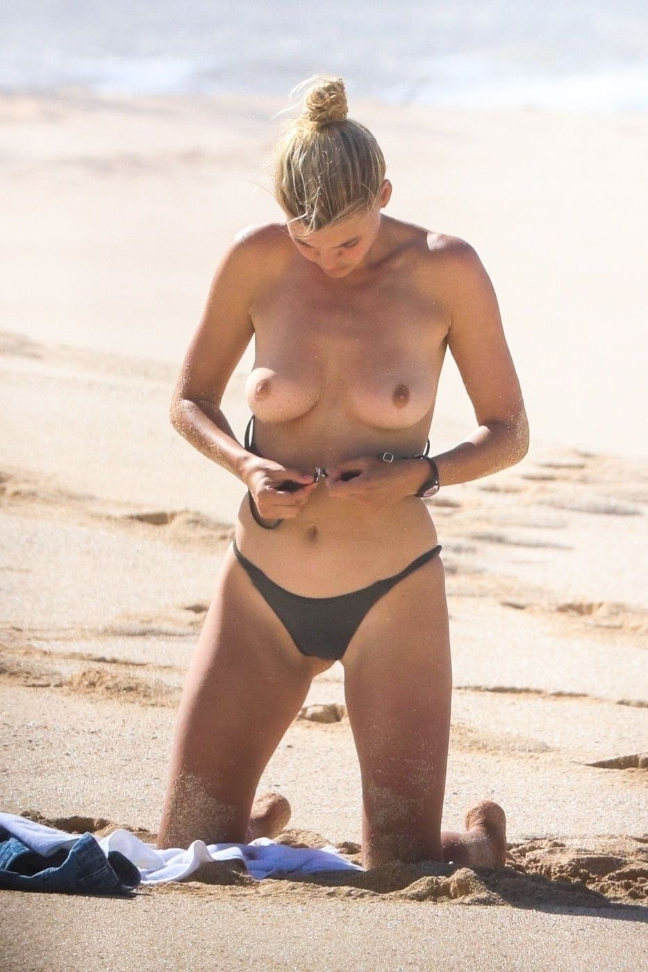 Kelly wolf nude actress