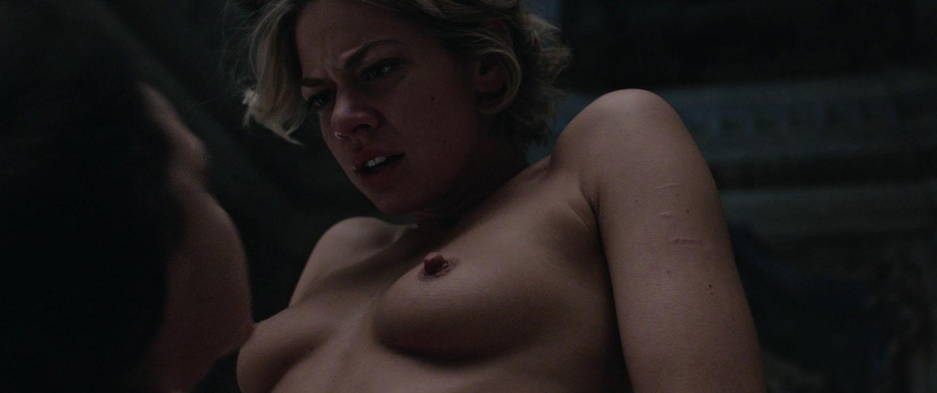 analiegh tipton nude pics