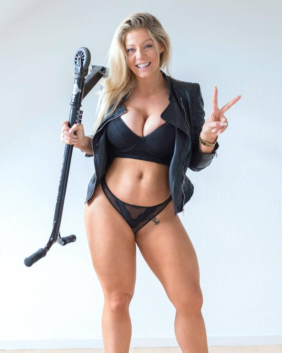 www mia sexy com