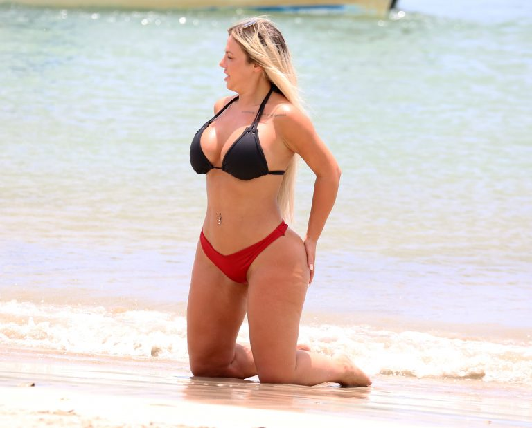 Holly Hagan In Bikini At Beach Lucia Assparade 1
