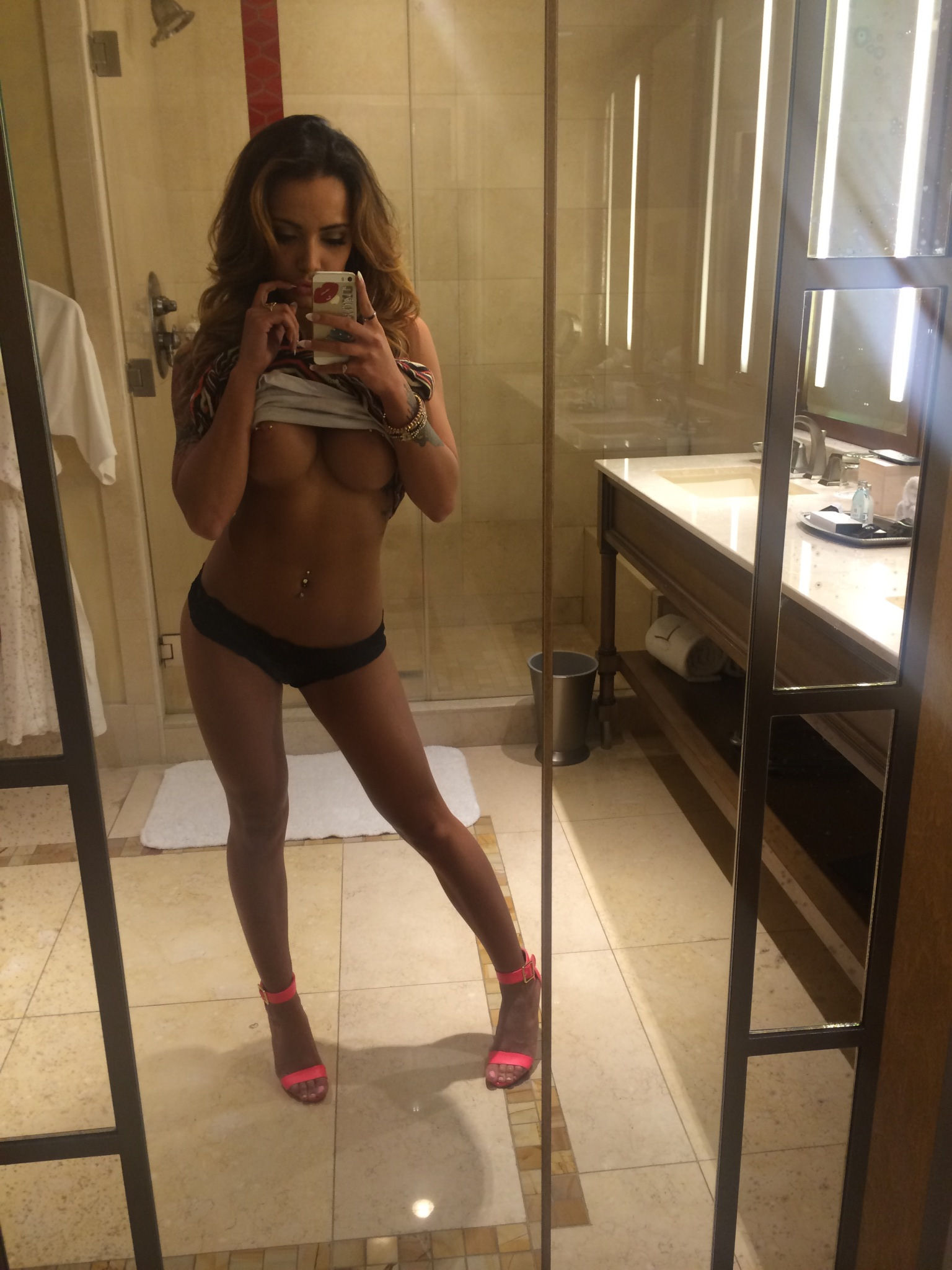 Boobs Mariah Corpus nudes (52 foto and video), Tits, Sideboobs, Boobs, braless 2017