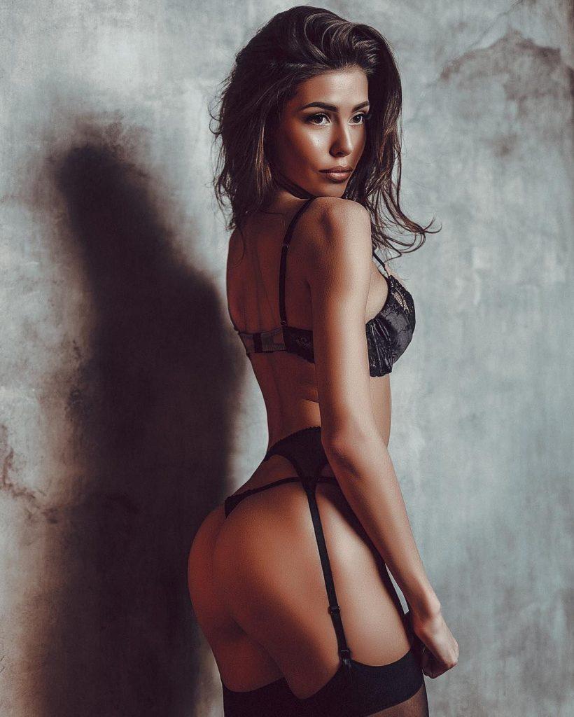 naked (21 photo), Tits Celebrity image
