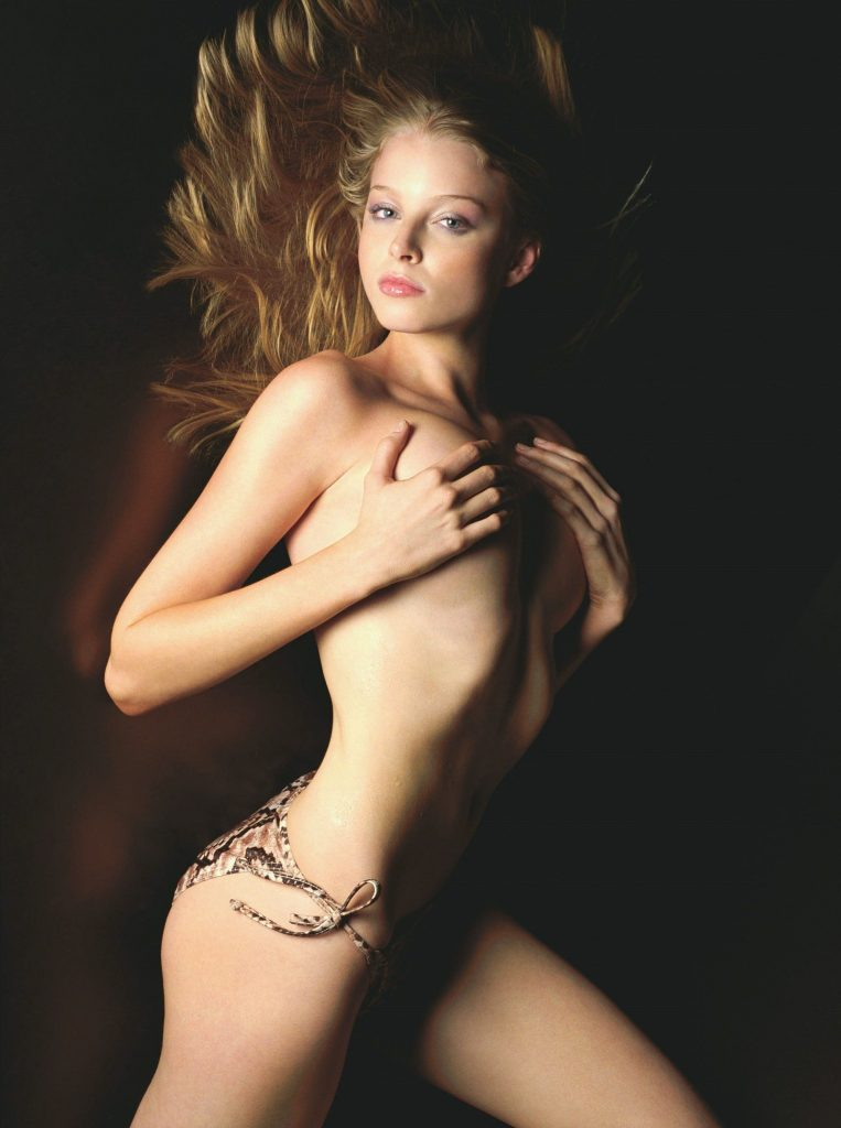 Nude singaporean girl pictures