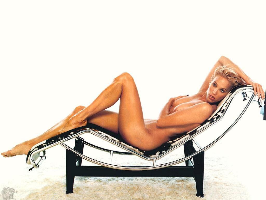 Emma Wiklund Nude and